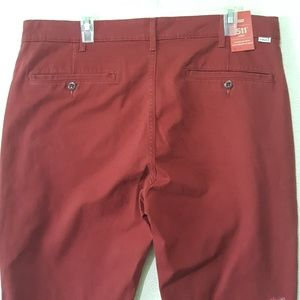 NWT men's Levis burnt red 511chino style pants